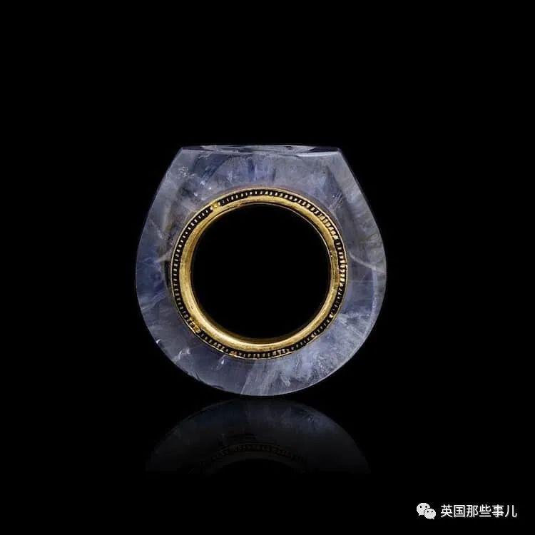 关于戴戒指,以前的人可比现代人上心多了,这些设计,简直美爆了啊
