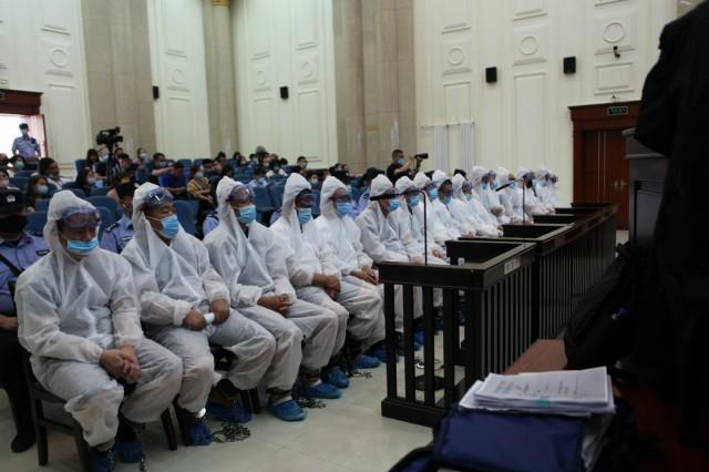 赤峰市雨花小小三老老百姓群众合作会担负人等17人黑恶势力案宣判