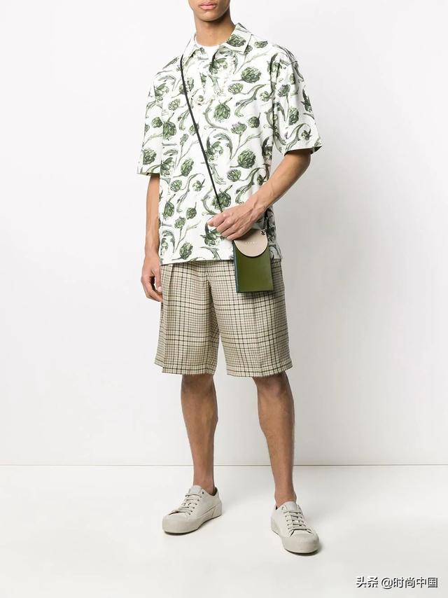 时尚中国丨夏日时髦范,五款通勤类短裤,教学时尚男士玩转雅痞风