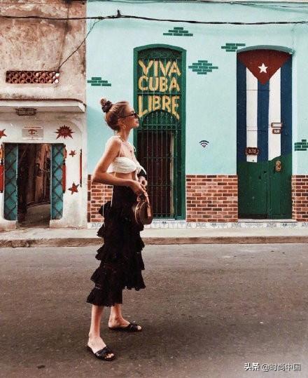 时尚中国丨毕业旅行的街拍秘籍,同样的风景,教你不一样的穿搭风