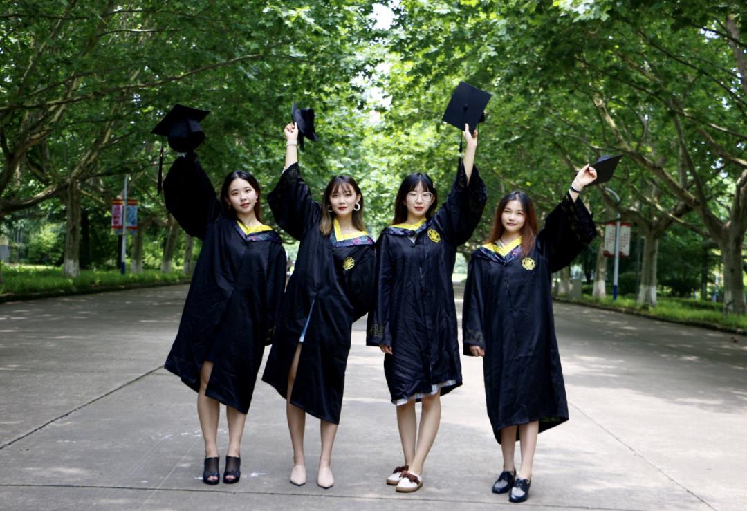 """河海大学有一个""""全能女团宿舍""""!学习、科研、文体等样样优秀"""