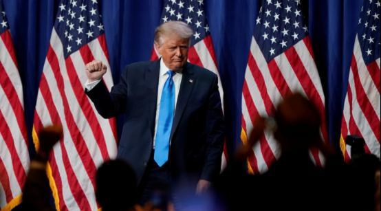 """接受共和党提名后听支持者喊""""再来4年"""",特朗普:你们该喊这个才能让他们发疯"""