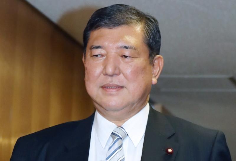 旧病恶化,安倍再次抱憾辞职!日本政坛洗牌,谁将接替他?