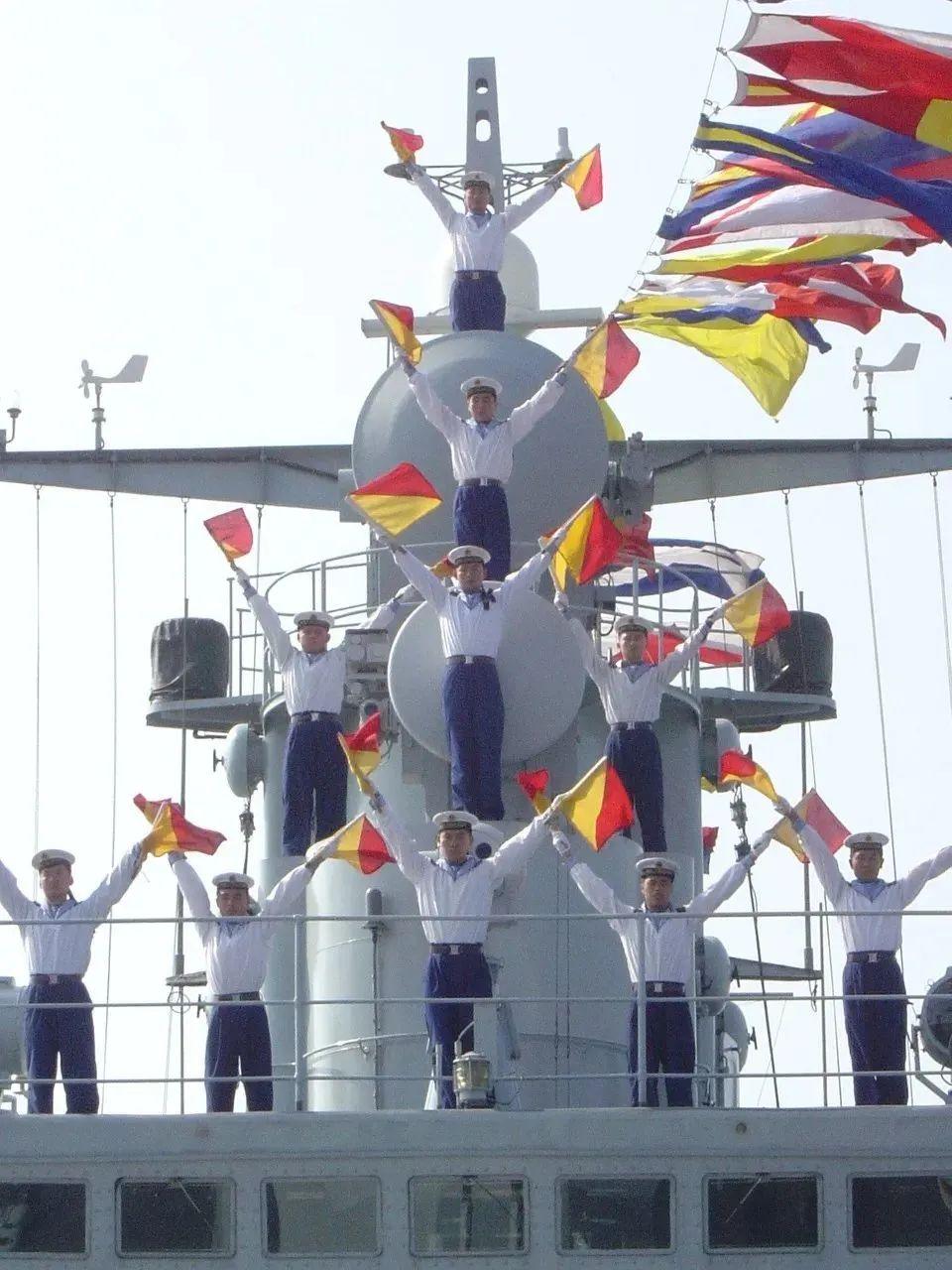 湛江舰、珠海舰退出现役