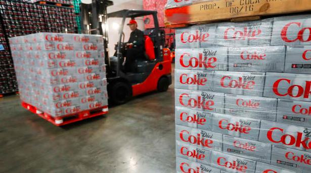 可口可乐也撑不住了?这些地方将裁员4000人,遣散费超24亿元