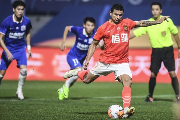 体育|中超:广州恒大淘宝队胜上海绿地申花队