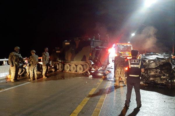 突发!美军装甲车与韩国私家车相撞:4名平民死亡
