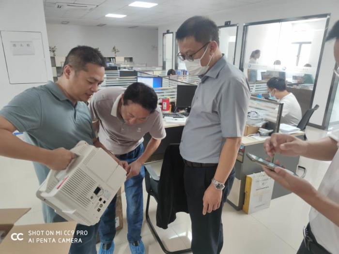 市政协副主席刘鹏考察深圳市金成锐科技有限公司
