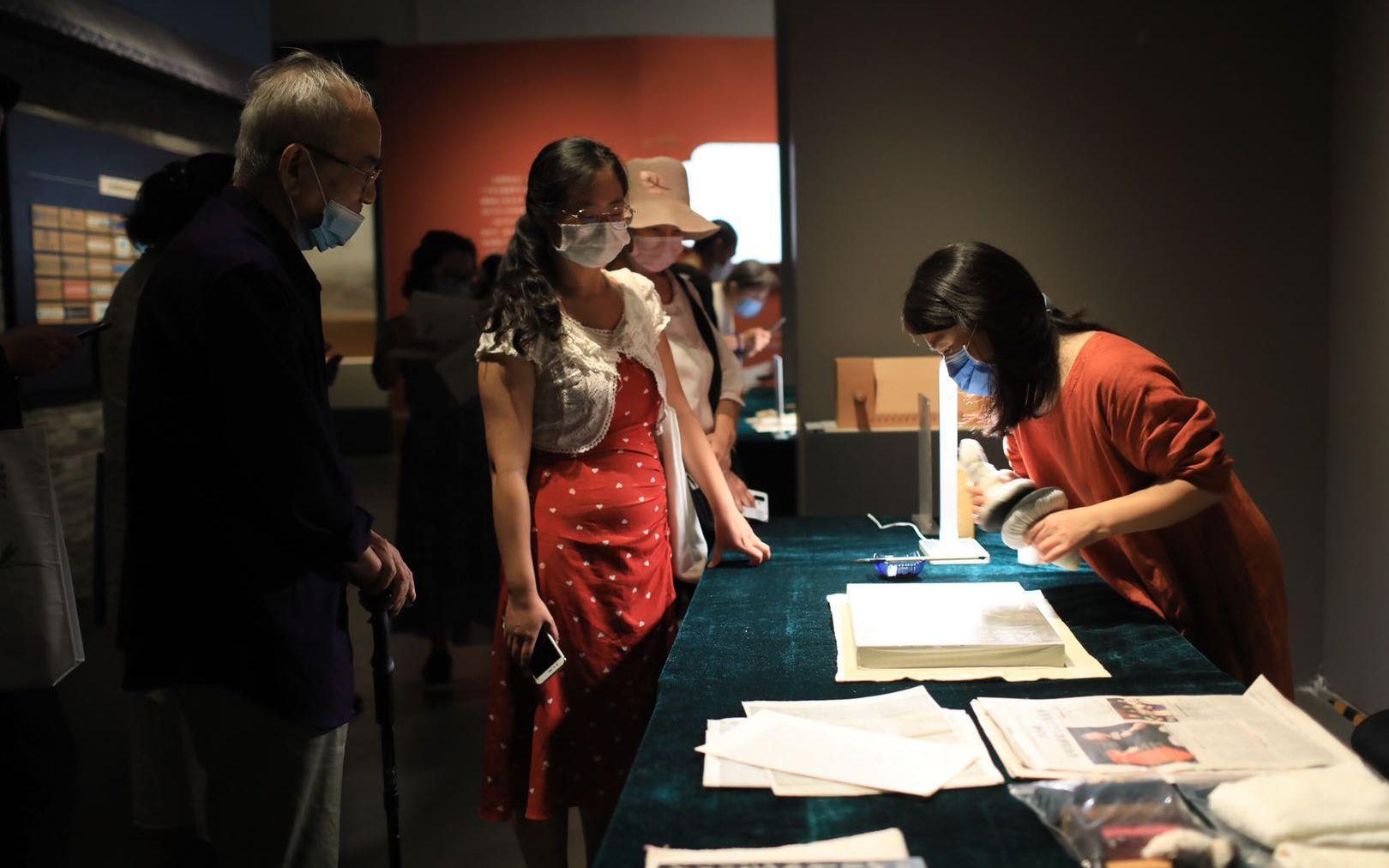 专访古籍修复专家赵嘉福:中国古籍再修100年也修不完