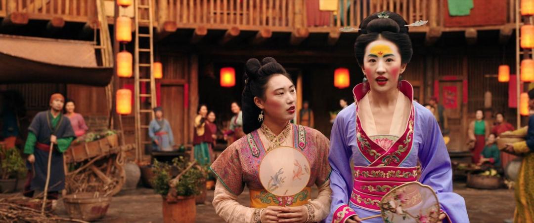 刘亦菲《花木兰》豆瓣差评4.8,却在国外被捧上天,还掀起了仿妆风潮....