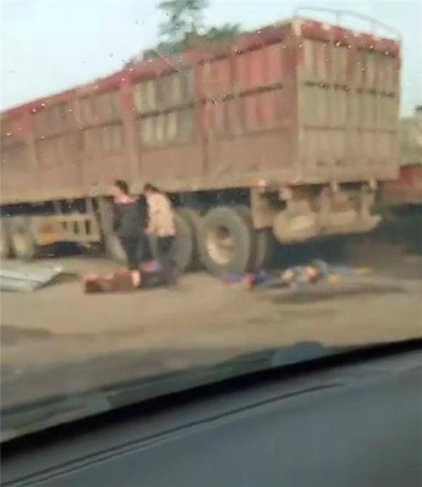 河南一幼儿园校车与货车相撞,医院:已接收4名幼儿,伤最重的骨折