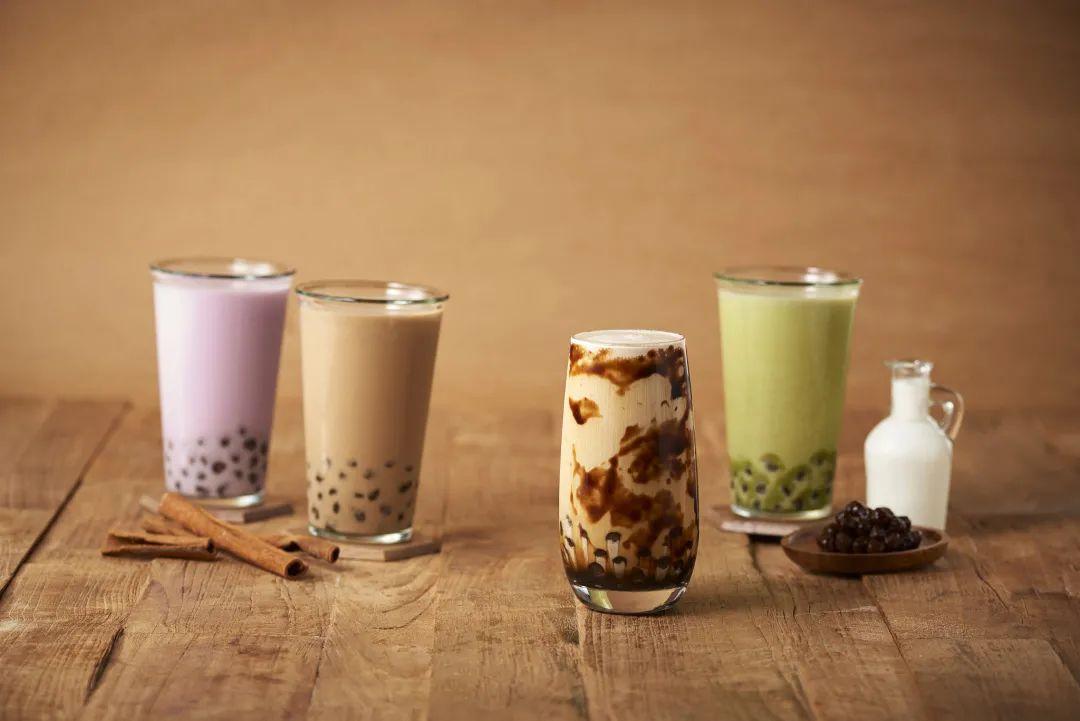 秋天第一杯奶茶,是磕CP的滋味