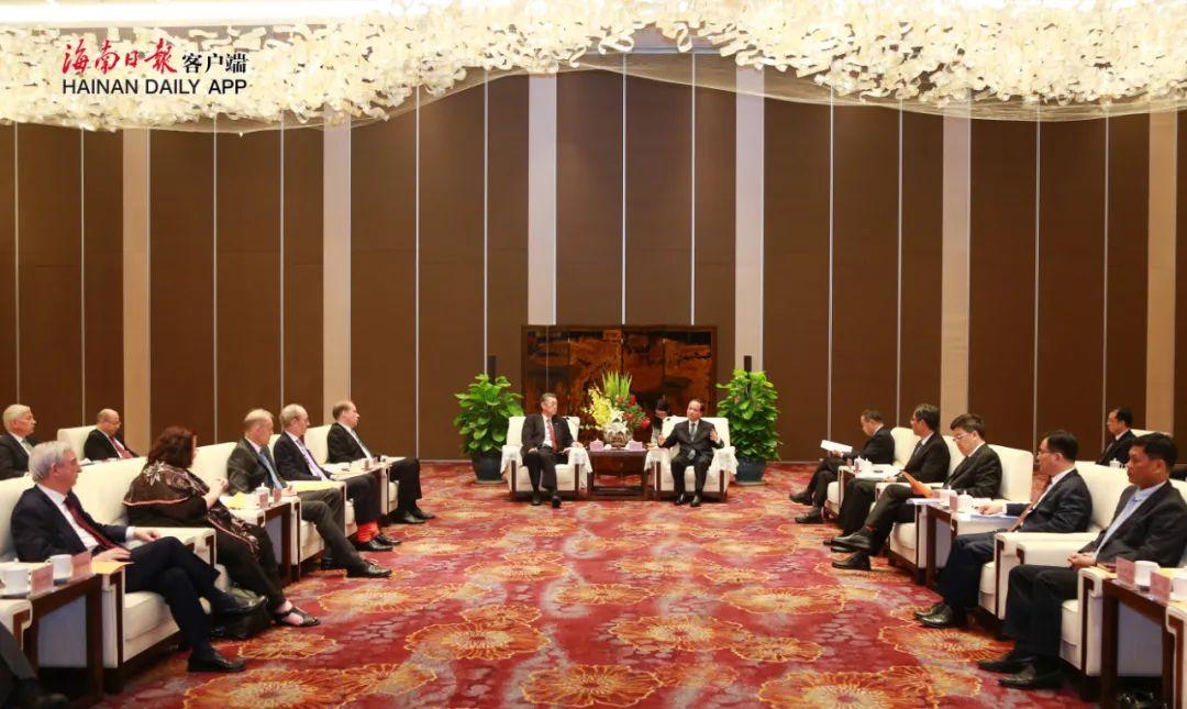 刘赐贵会见来琼出席中国绿公司年会驻华使节