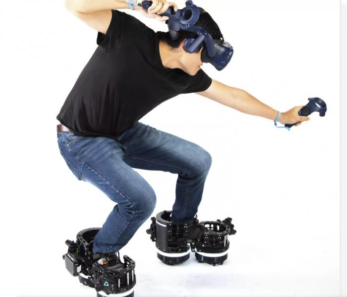 VR游戏福音 机器人VR靴让你走路不前移