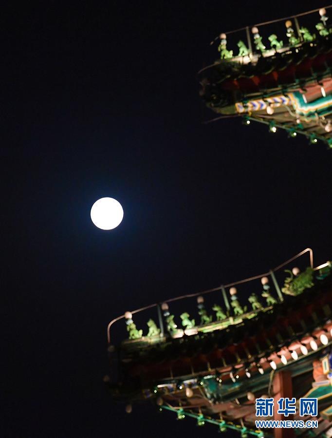 中秋国庆共迎圆月