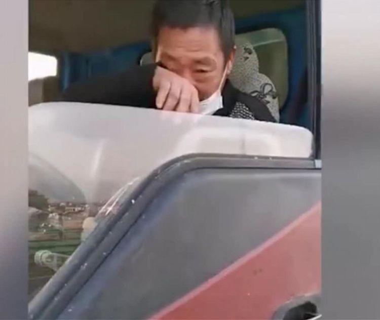 曾流浪高速的湖北货车司机:假期带家人回陕西致谢