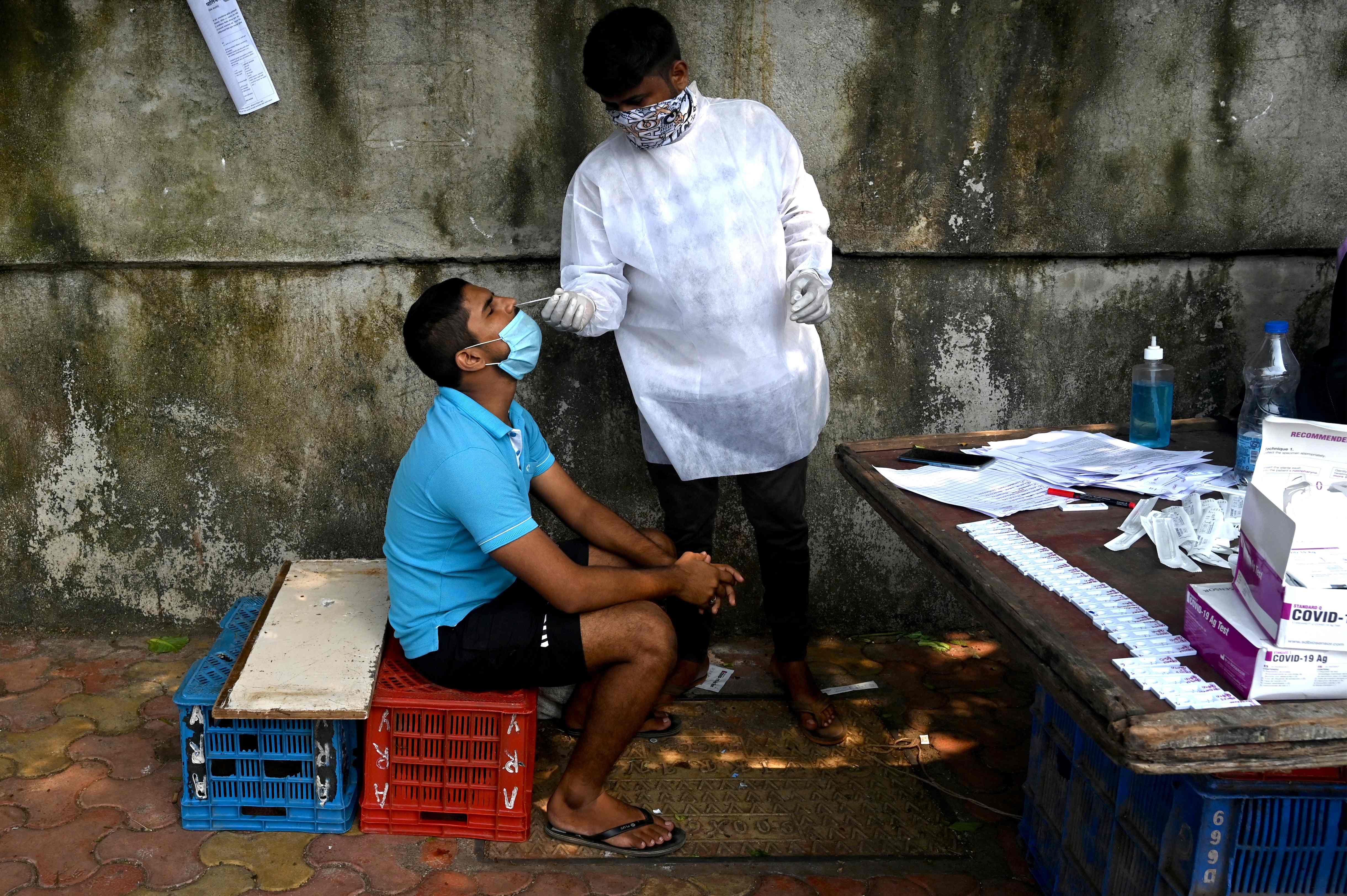 印度新冠累计死亡病例超10万