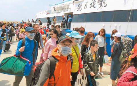"""大陆""""黄金周""""强劲回归 台湾观光业滋味在心头"""