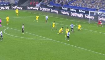 德托马斯进球打破僵局,西班牙人取得一球领先
