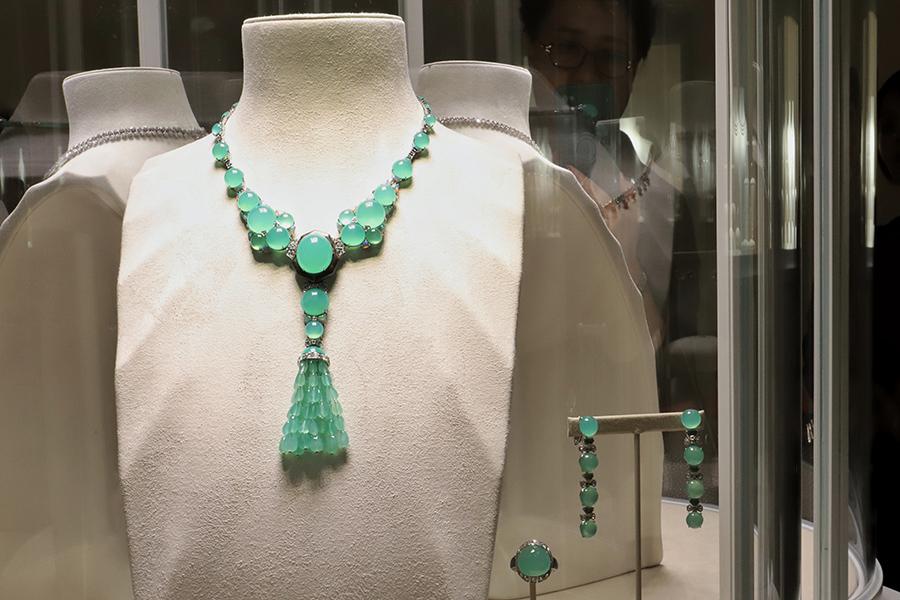 走进以自然为灵感的华美世界,带大家提前逛逛卡地亚全新「SUR」NATUREL 高级珠宝展
