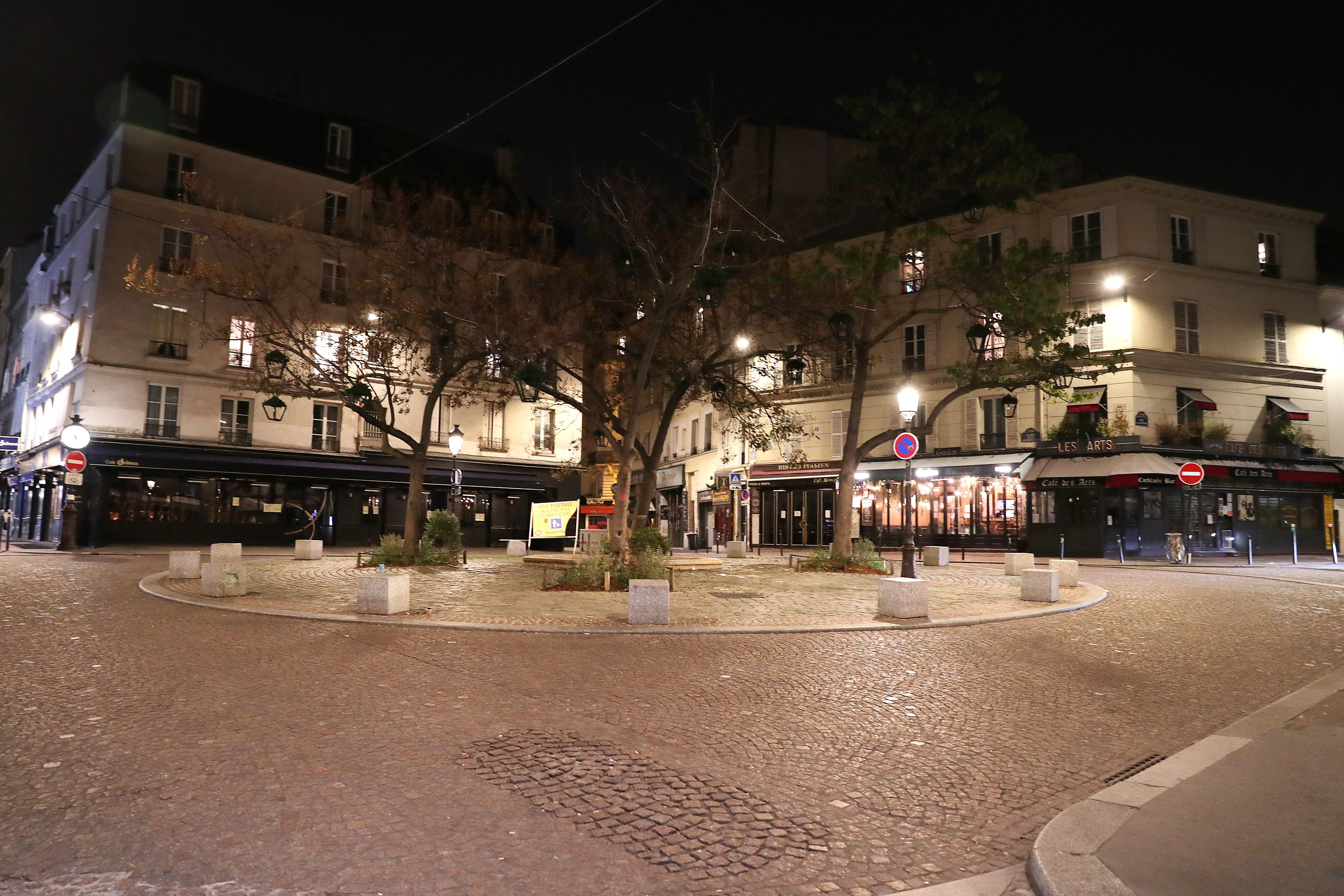 宵禁后的巴黎