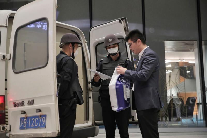 哇哦!身价3700万美元,88克拉黑钻石运抵上海,将在进博会展出