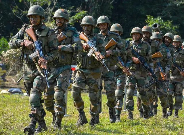 新闻晚报 |解放军在边境绑架20名印度士兵?假消息;白宫官员称美国不会控制疫情