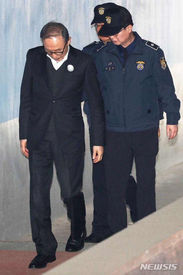 终审被判17年,李明博不满怒斥:韩国法治崩溃了