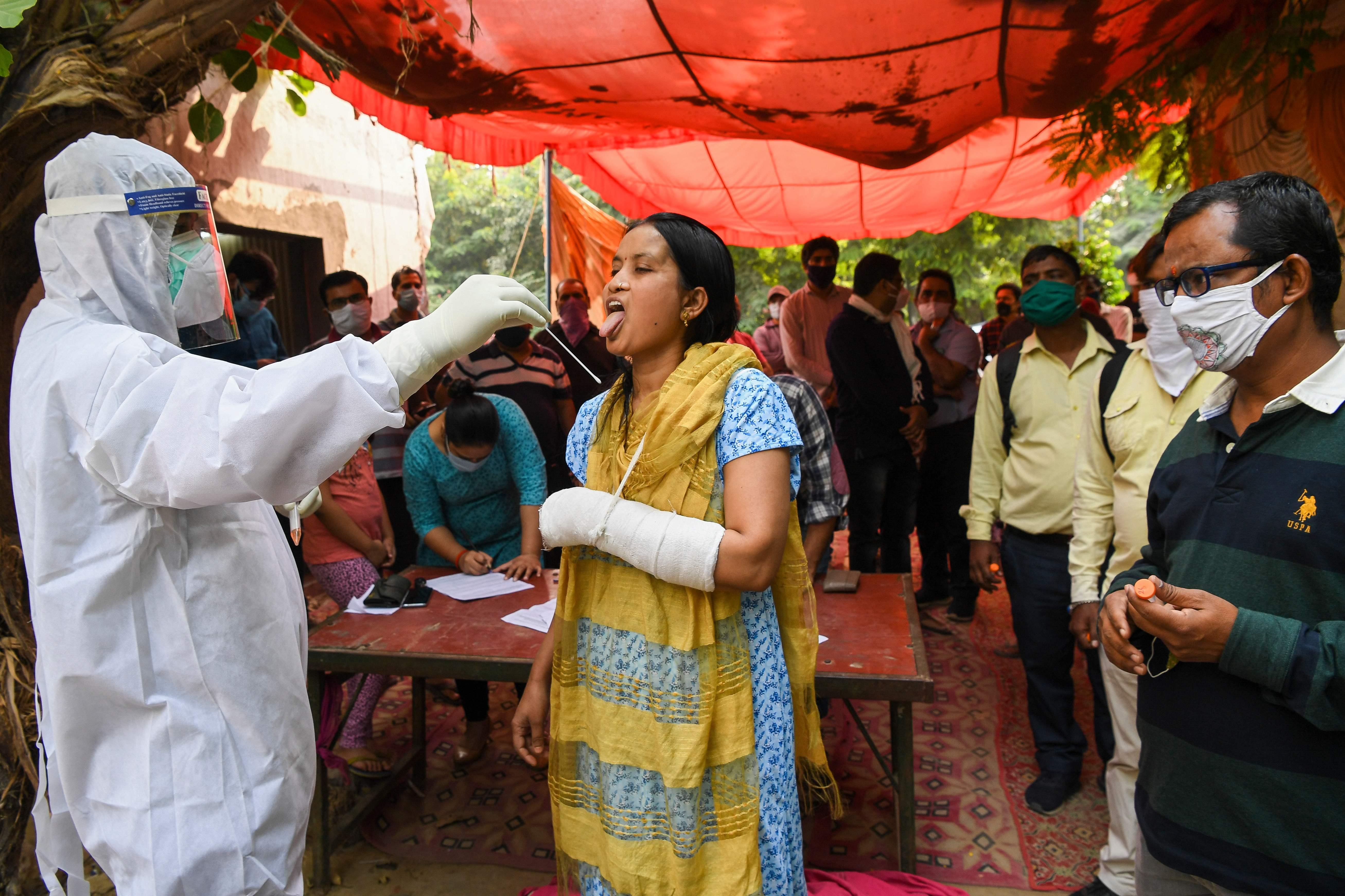 印度累计新冠确诊病例突破800万
