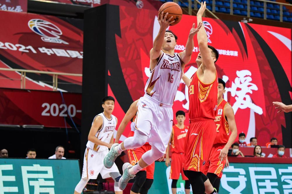 吴前伤退 浙江91-74轻取深圳获开季6连胜