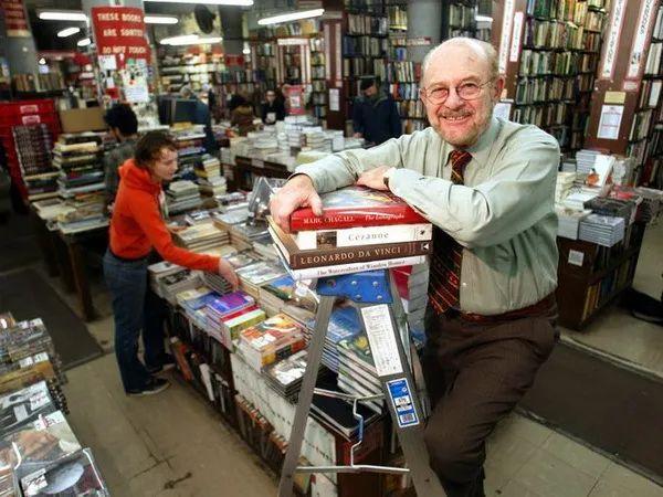 美国实体书店卖惨记