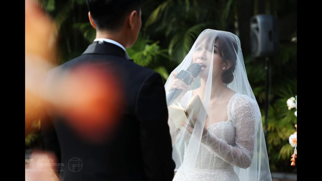 郑俊弘何雁诗场婚礼好传统又感动!开门利是有8位数字