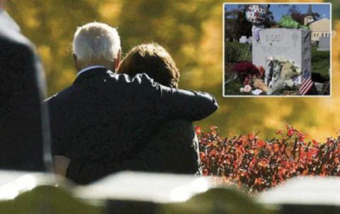 拜登胜选后给长子扫墓 其子遗愿是父亲竞选总统