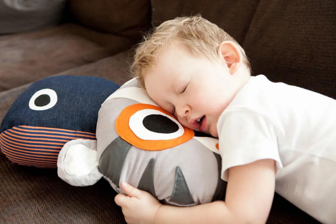 保持一天活力满满,正确睡姿是关键