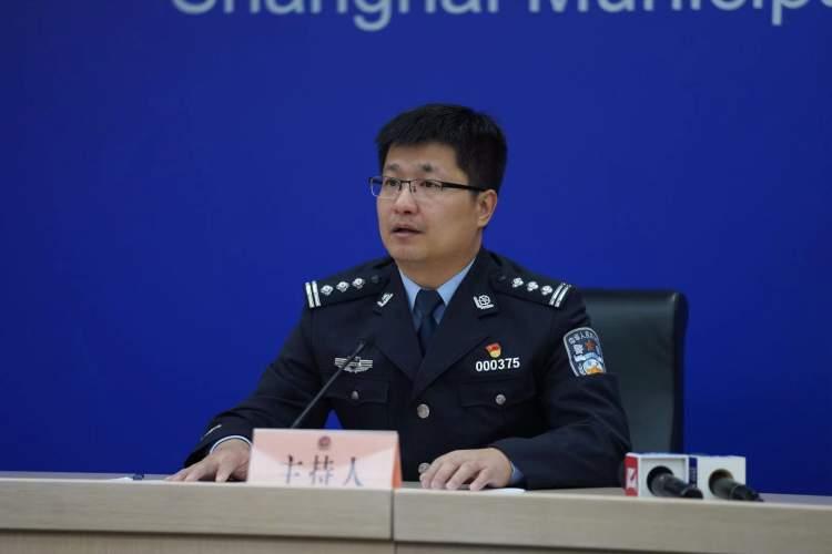 """上海警方捣毁一特大""""莆田货""""假鞋窝点,涉案金额1.2亿余元"""