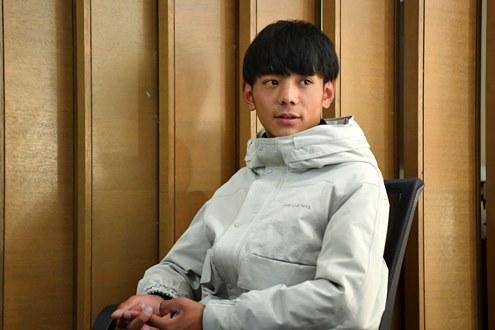 四川藏族小伙意外走红引爆舆论场:世界很大,仍最爱家乡