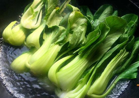 这些隔夜食物不要吃 绿叶菜易产生亚硝酸盐