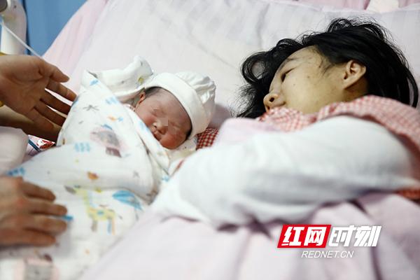 """迎接2021,湖南省妇幼""""元旦宝宝""""来了"""