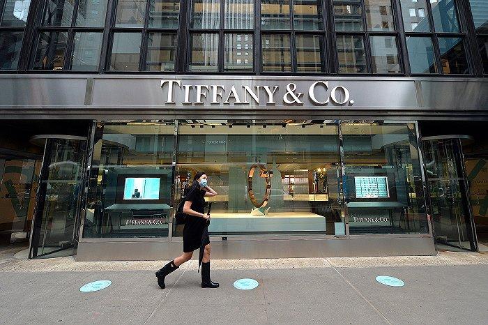 LVMH正式买下Tiffany,集团二公子将参与后者改革