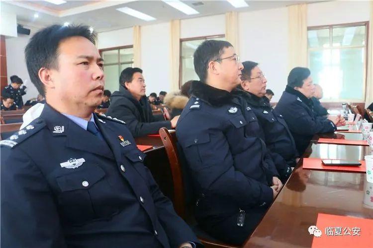 【走进我们的节日】特警支队举办庆祝首个人民警察节文艺汇演