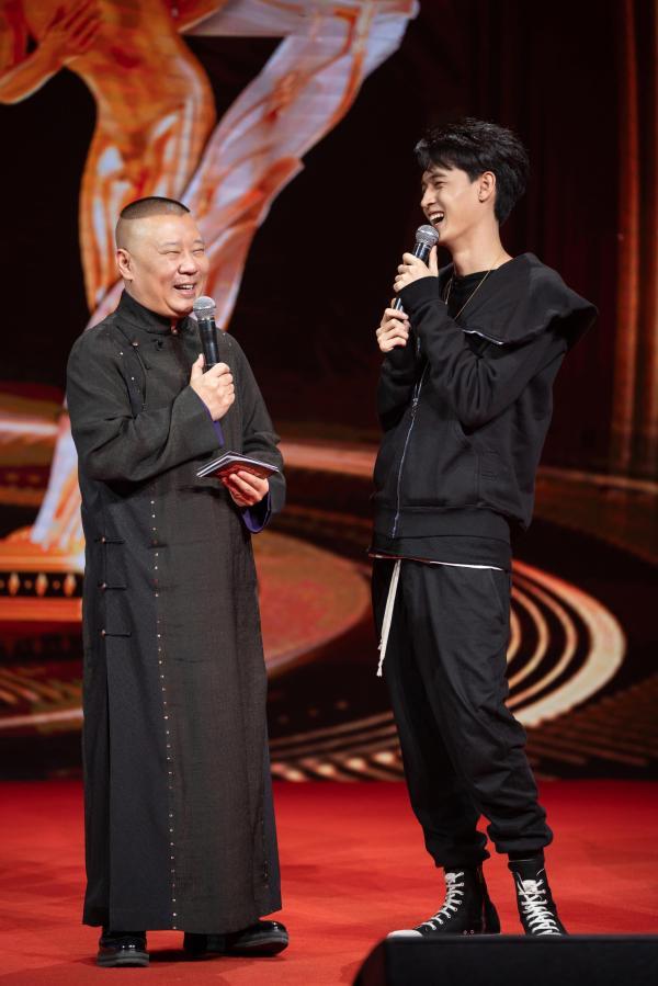 郭德纲岳云鹏宋小宝回归,李雪琴加盟,《欢乐喜剧人7》首期回到刘老根大舞台