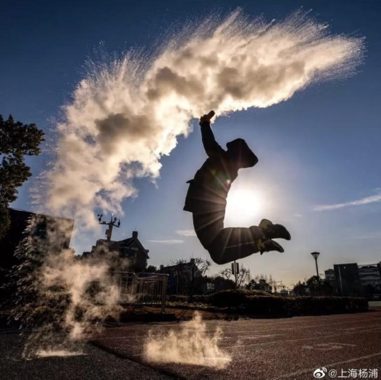 上海明后天早晨仍在冰点及以下!下周三起全面回暖,然后下周六再猛降10℃+?
