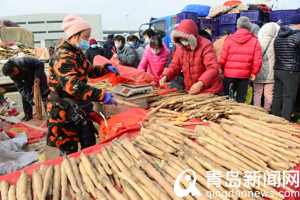 实拍腊月里的李村大集满眼红火年味渐浓