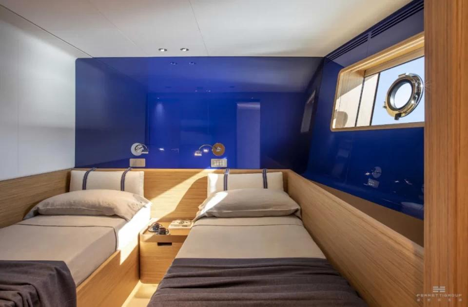 移动的艺术——法拉帝天梭30定制游艇