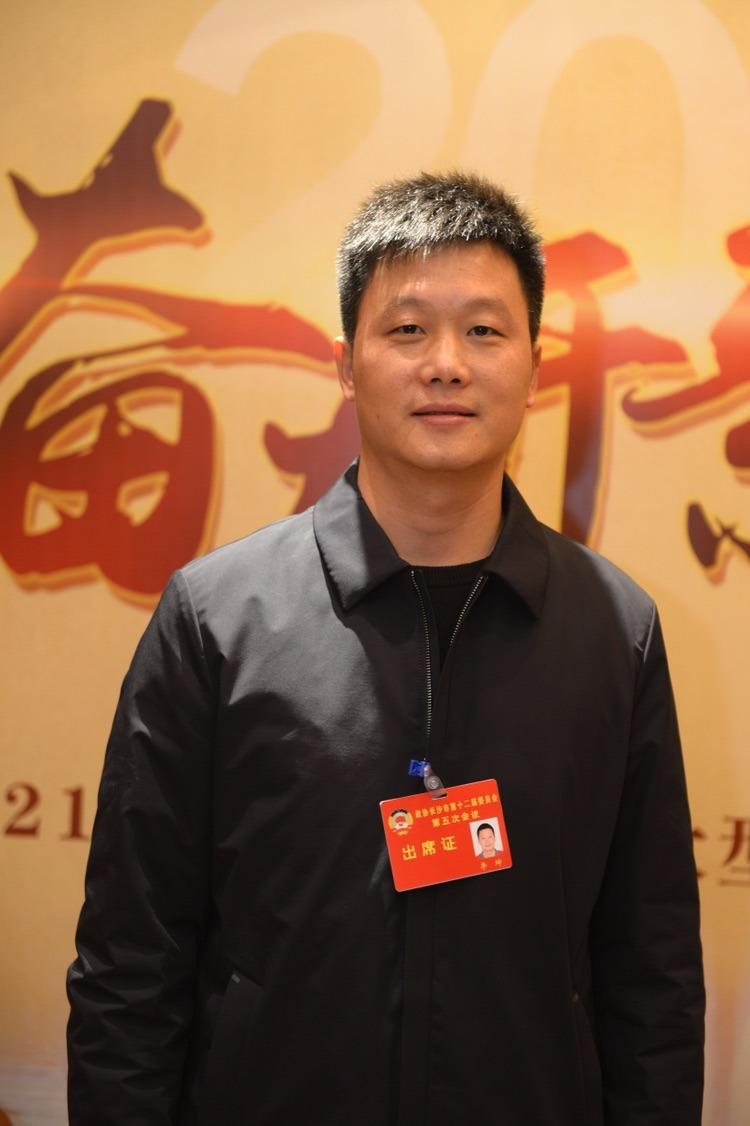 委员声音 李坤:建议以灵活就业促进现代服务产业健康发展