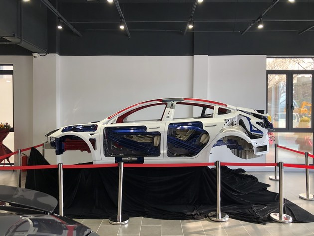 越硬越好?从Model 3白车身看电动车车身结构