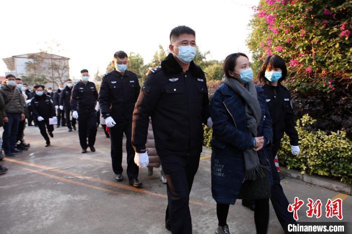 广西钦州警方破获一起特大网络传销案 涉案资金4.8亿