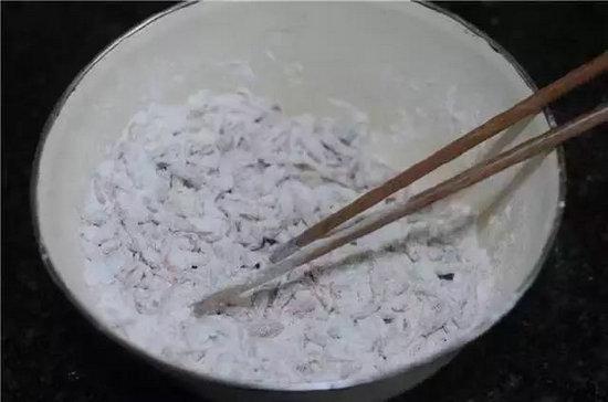 补钙用这道菜,孩子吃了个头蹭蹭涨,轻松搞定的营养早餐 美食做法 第3张
