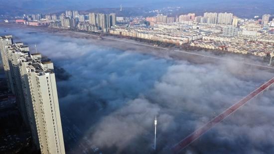 嵩县清晨雾气缭绕 仿佛开启仙境模式