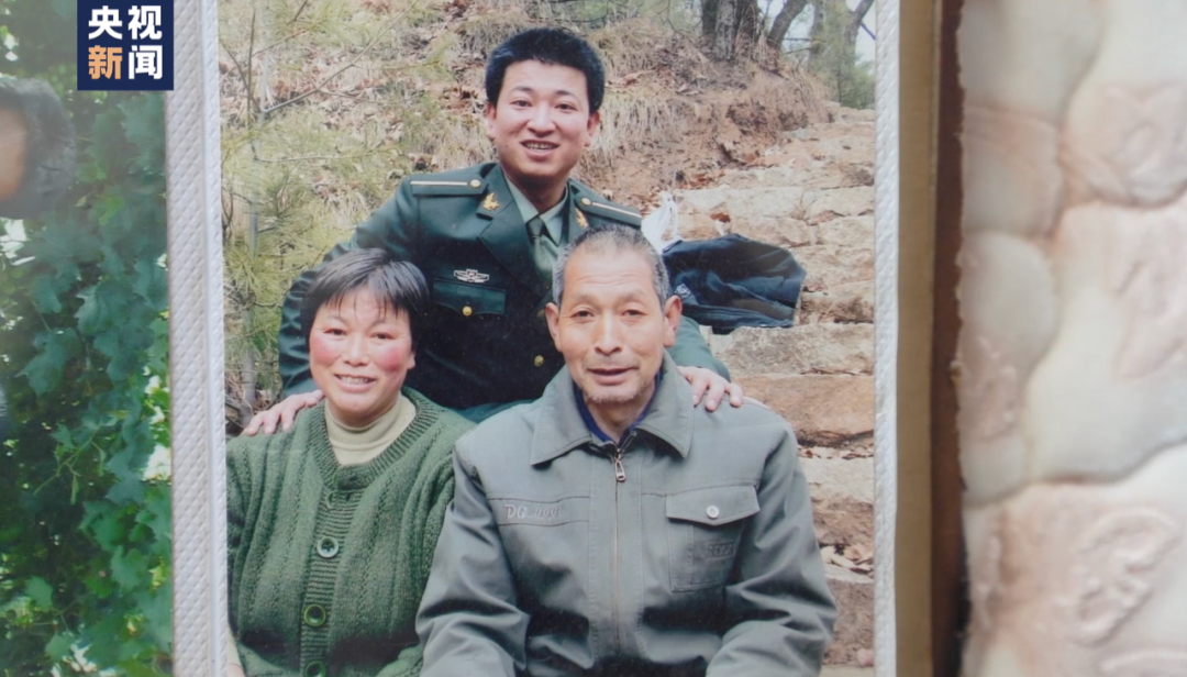 戍边英雄陈红军和妻子的最后一次通话,连说了三声爱……